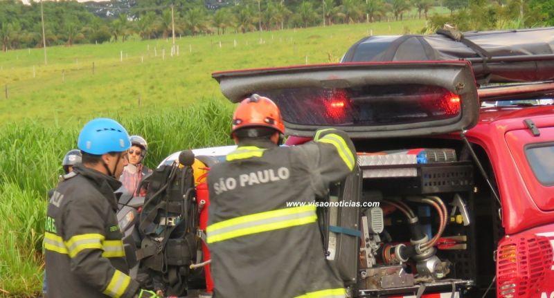 Equipe de salvamento foi acionada pararetirada do corpo.