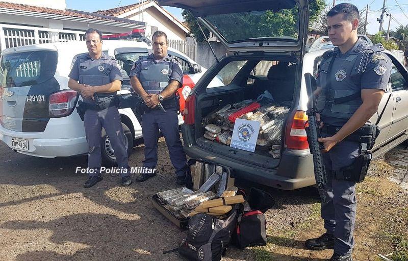 O carregamento de drogas interceptado pela PM em Marília