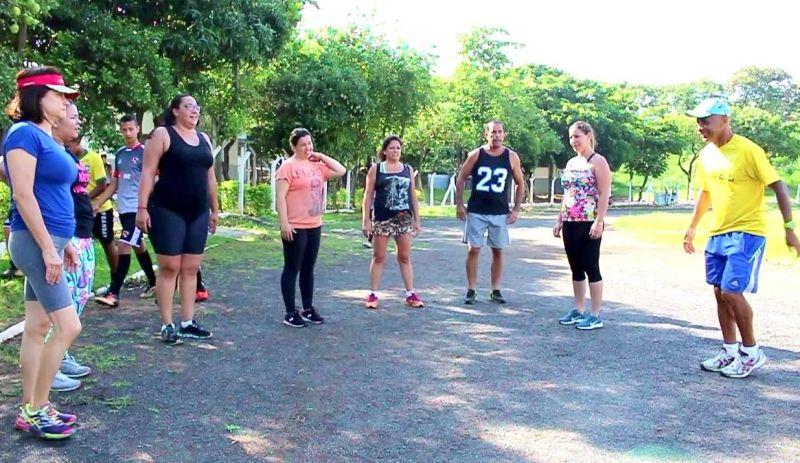 As atividades são realizadas no estádio Pedro Sola e na avenida das Esmeraldas.