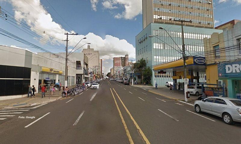 O acidente aconteceu na avenida Sampaio Vidal esquina com a Paes Leme