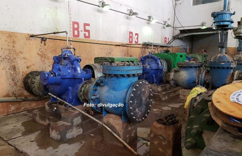 As bombas de captação de água foram religadas no final da tarde após local ficar seco.