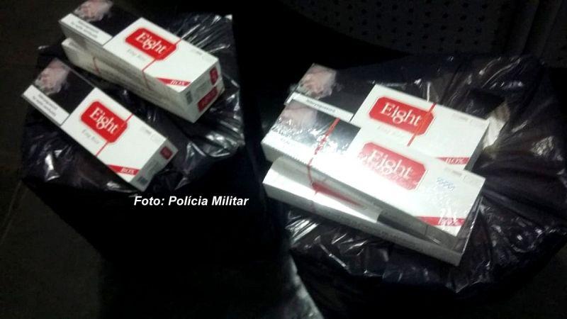 Os pacotes de cigarros contrabandeados do Paraguai.