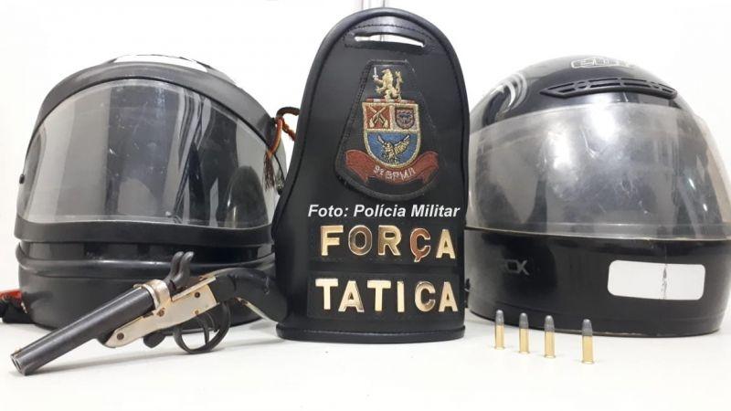 A garrucha e munição apreendidas pela Força Tática