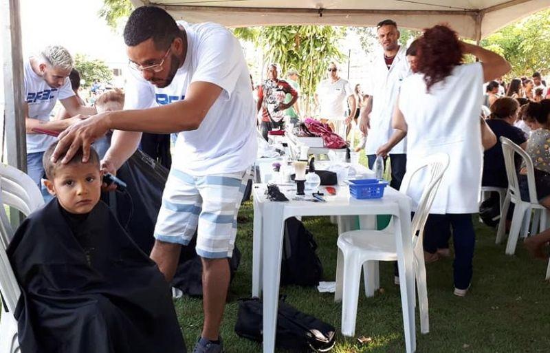 Além de brincadeiras, haverá prestação de serviços à população, como corte de cabelos.