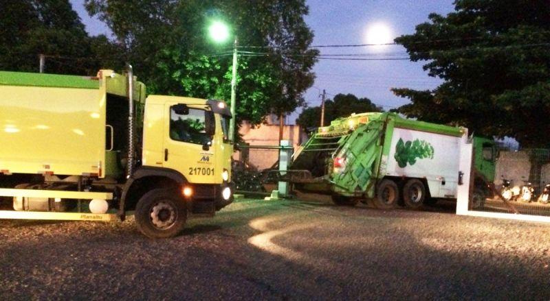 Os caminhões da Monte Azul suspenderam a coleta de lixo no fim de semana: