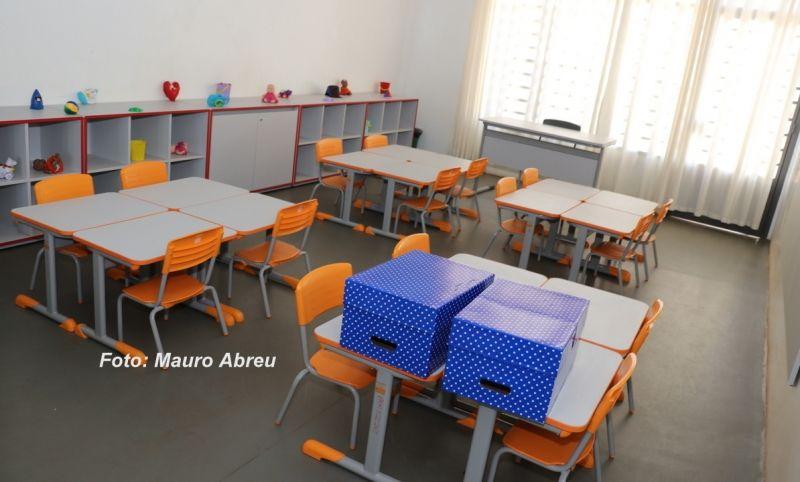 As novas escolas municipais  já receberam os móveis, materiais e os novos servidores