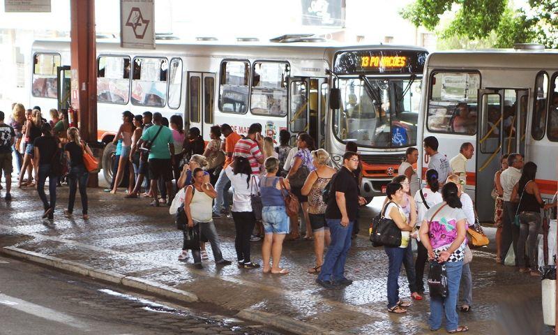 Paralisação dos ônibus pode afetar milhares de pessoas em Marília.