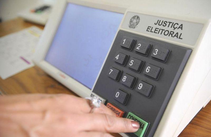 TSE desmente notícias falsas sobre programação das urnas eletrônicas