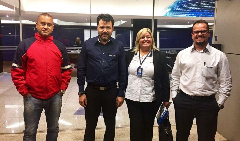 Minoru com equipe de Marília: Emerson Larrea (Comercial), Célia Ribeiro (Comunicação e Marketing) e Moreno Medeiros (gestor)