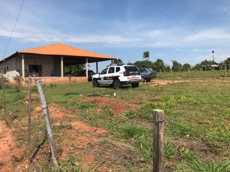 Viaturas da polícia foram ao local para apurar o caso. Foto: Guilherme Lopes/TV TEM