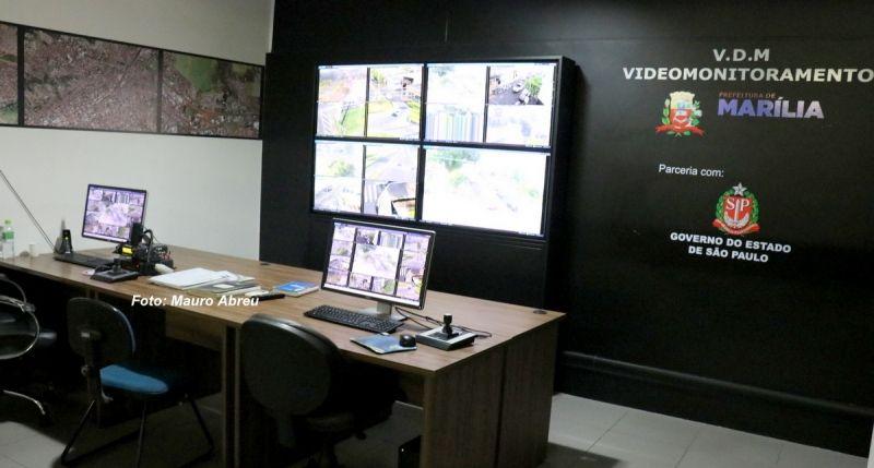 A Central de Videomonitoramento conta hoje com 12 câmeras