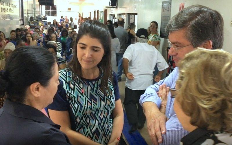 Prefeito Daniel com a superintendente do HBU, Márcia Mesquita Serva Reis.