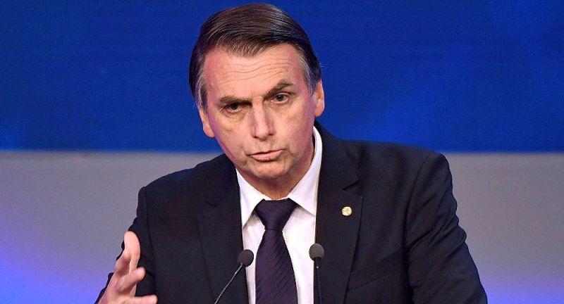 Jair Bolsonaro: neutralidade de muitos partidos poderá beneficiá-lo no 2º turno.