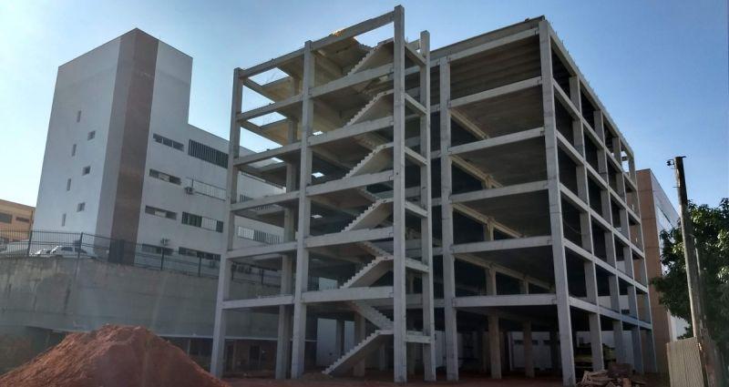Os seis pavimentos do imóvel foram todos estruturados em pré-moldados