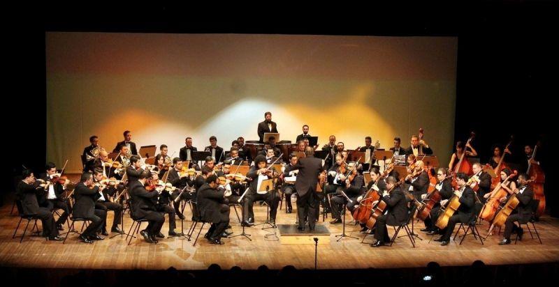 A orquestra foi fundada em abril do ano passado.