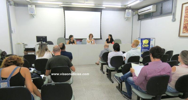 Pré-congresso foi realizado na Câmara de Marília, reunindo profissionais das áreas de educação e saúde.