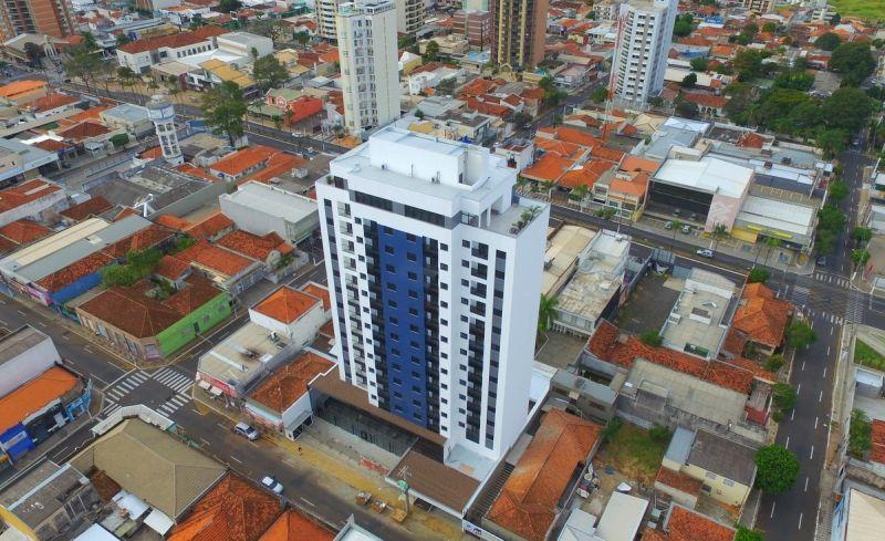 Vista aérea do Edifício Life, com área de lazer e terraço na cobertura