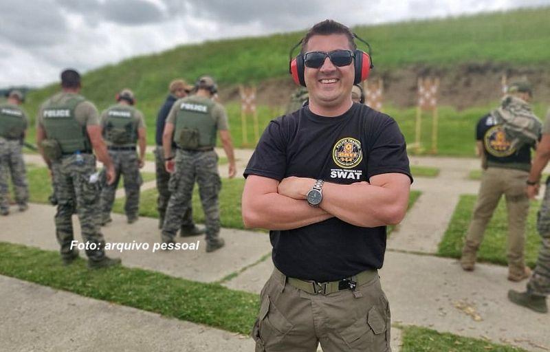 Cabo Taroco durante o treinamento na SWAT.