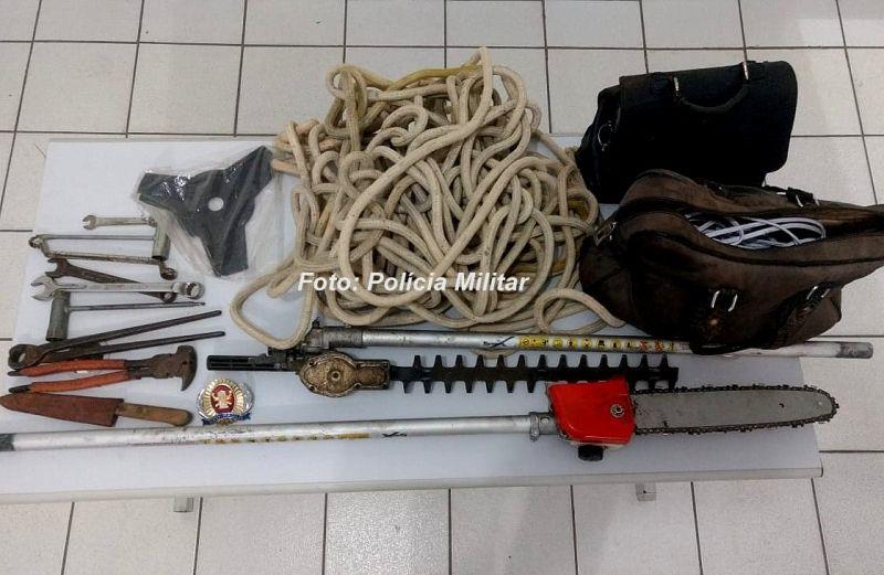 O material furtado foi recuperado pela PM e devolvido à vítima.