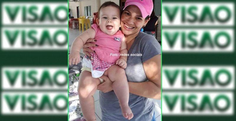 A pequena Valentina com a mãe. Um drama que está mobilizando Marília e região.