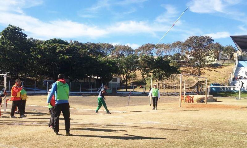 As provas de atletismo estão sendo realizadas na pista do poliesportivo Pedro Sola.