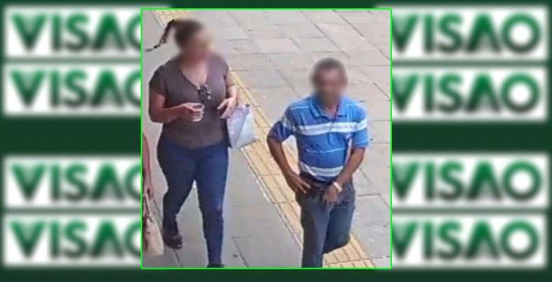 Câmera de segurança registra o casal pelo centro da cidade.