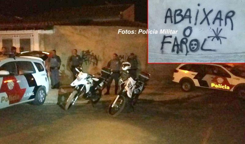 Mensagem dos traficantes para quem entra na favela de carro.