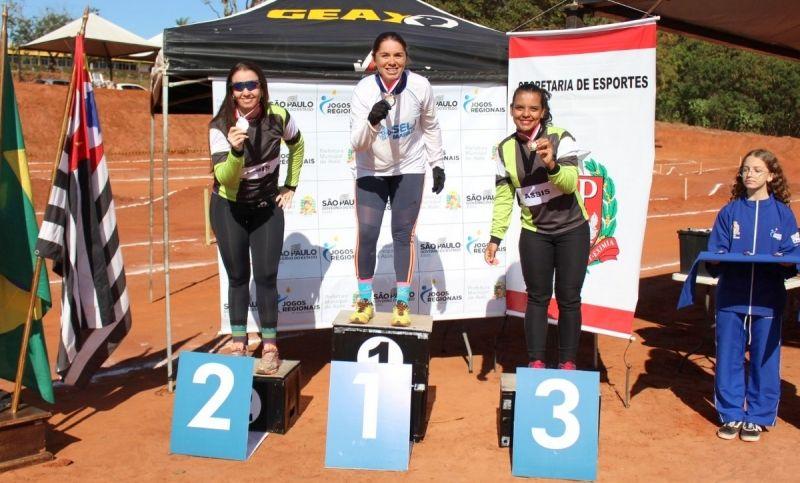 Jéssica Aparecida dos Santos Braz conquistou ouro no ciclismo.