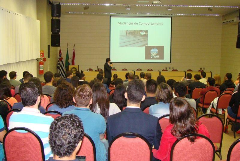 Encontro atraiu centenas de alunos dos cursos de Direito e Tecnologia da Informação e profissionais da área