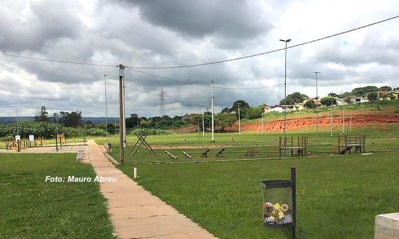 """""""Parque do Povo"""" tem 20.000 metros quadrados com várias instalações."""