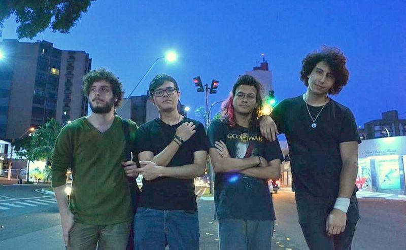 Integrantes da banda Ingrime. Apresentação será nesta noite.