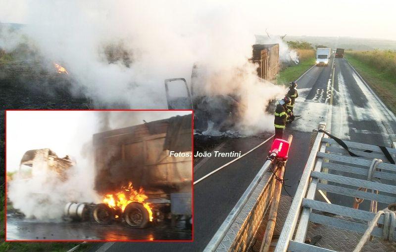 O fogo atingiu principalmente a parte da frente da carreta que ficou destruída.