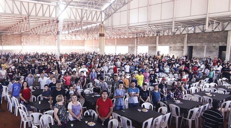 Churrasco de confraternização reuniu mais de 4 mil pessoas