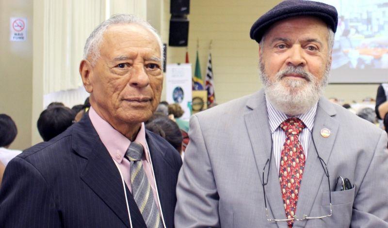 O membro da Comissão Organizadora, Nelson Feitosa e Reitor do UNIVEM, Dr. Luiz Carlos de Macedo Soares