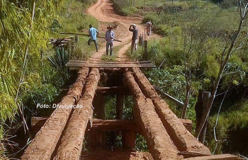 A antiga ponte começou a ser desmontada nesta semana