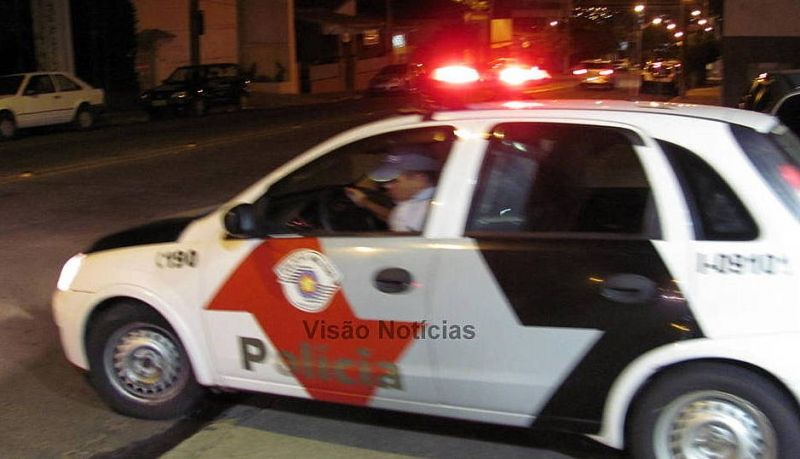 Polícia Militar fez buscas, mas não localizou o criminoso.
