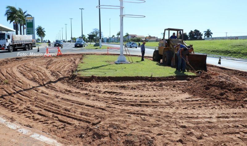 Obras de remodelação da rotatória devem ficar prontas até a próxima semana.