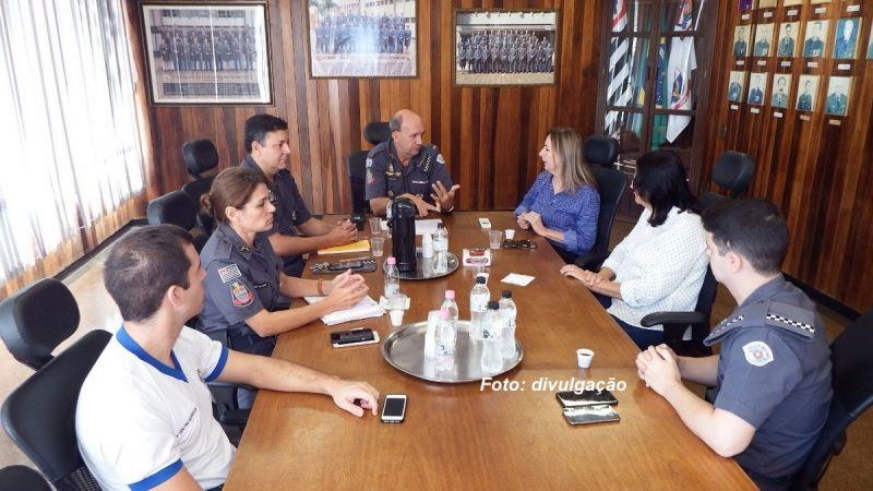 Uma das reuniões foi realizada com o comando da Polícia Militar