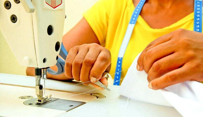O PAT oferece para hoje duas vagas para quem tem experiência como costureira.