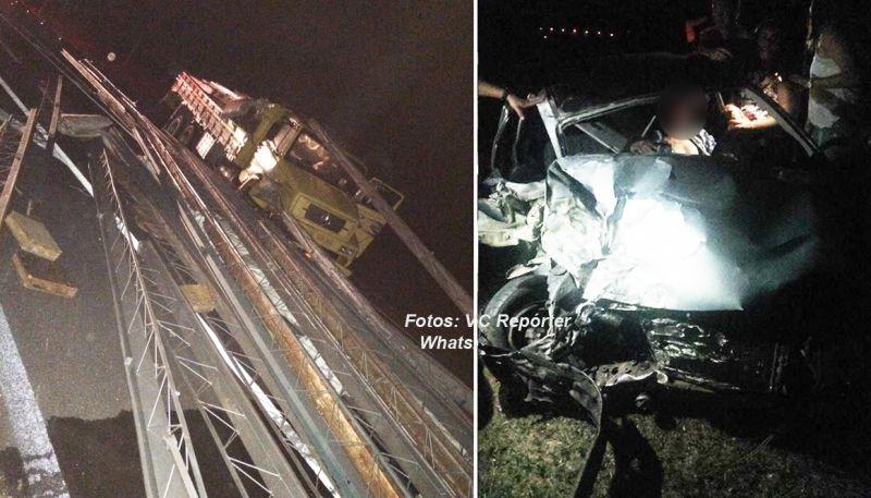 Com o impacto, a carga do caminhão ficou espalhada pela pista e motorista do carro preso nas ferragens.
