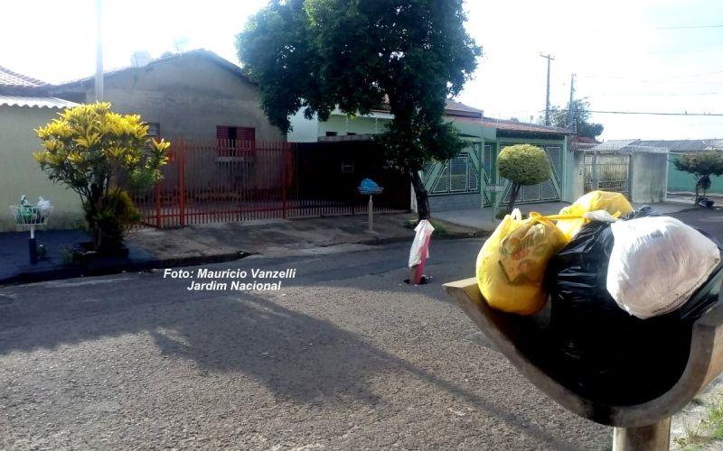 Lixo acumulado nos bairros Nacional e Planalto, na zona Sul da cidade.