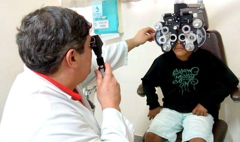 Mutirão de oftalmologia beneficia crianças e adolescentes em idade escolar