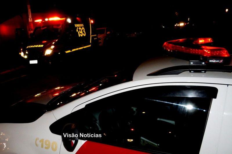A vítima foi socorrida pelo Resgate dos Bombeiros e está internada no HC