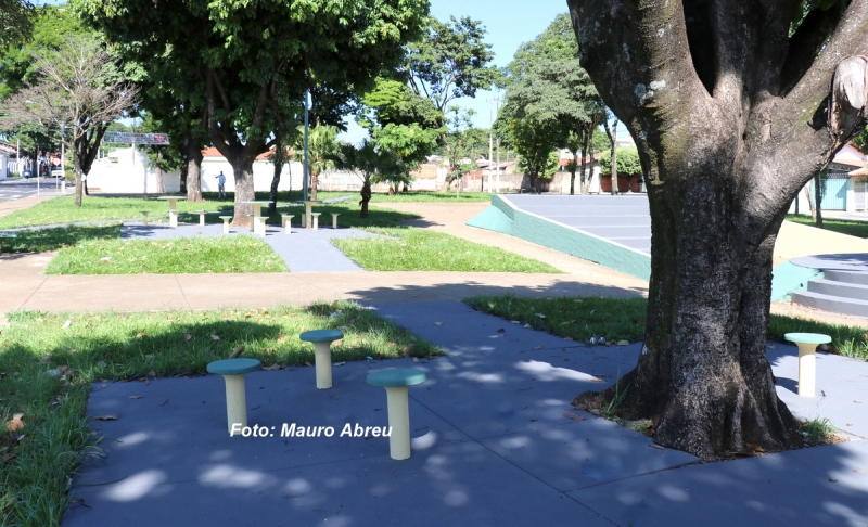 Prefeitura retoma revitalização de praças públicas
