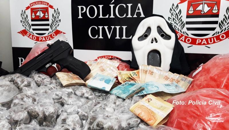 Polícia Civil faz operação e prende 5 com drogas