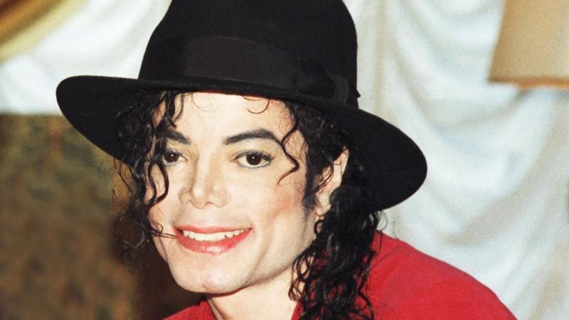 TVs cancelam homenagens a Michael Jackson pelos 10 anos de sua morte
