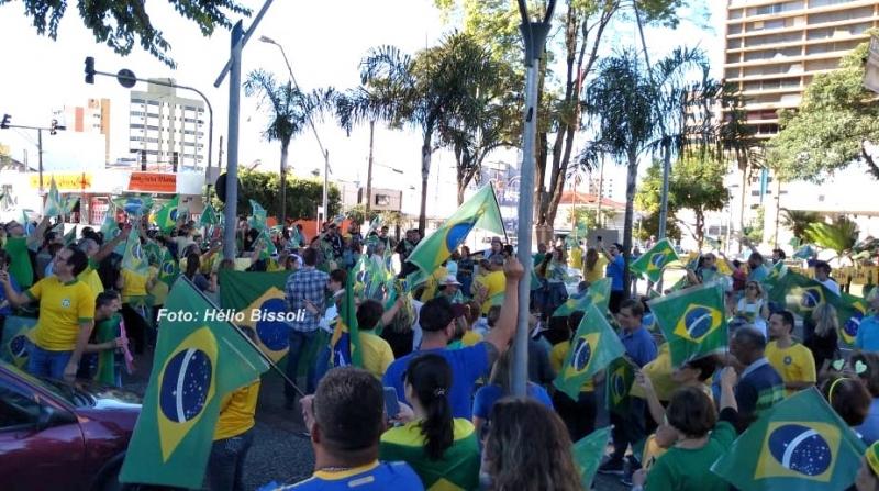 Ato em apoio ao presidente Bolsonaro mobiliza Marília e região