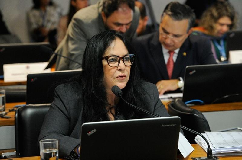 Senado aprova permitir saque do FGTS a quem pedir demissão