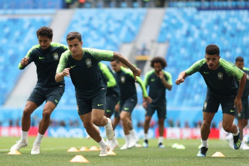 Brasil volta a campo hoje com uma novidade em relação ao time da Copa