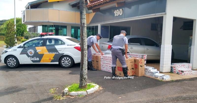 Carro lotado com cigarros contrabandeados é apreendido em Marília